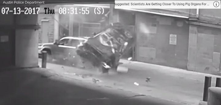 سيارة تسقط من السماء!(فيديو)
