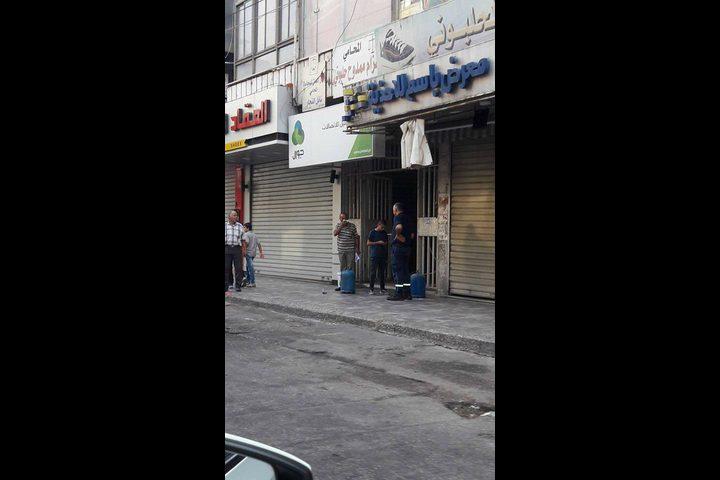 اندلاع حريق بكشك للشاي وسط نابلس