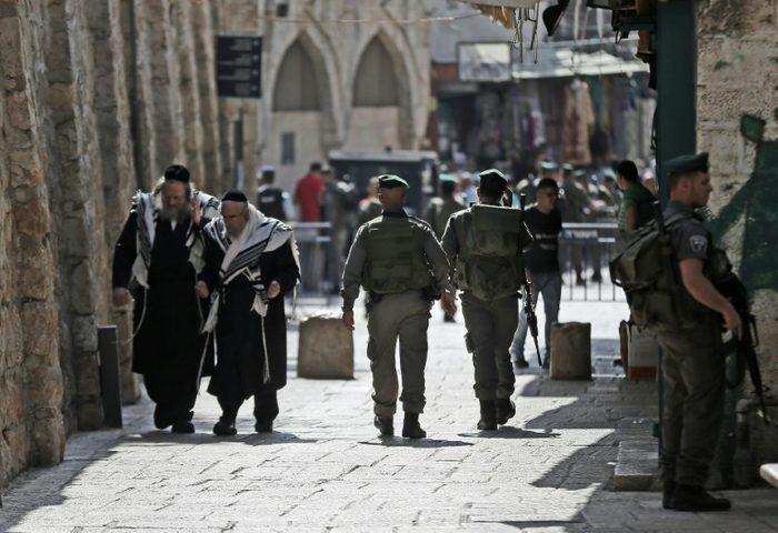"""""""شؤون المفاوضات"""": الاحتلال يستخدم سياسات ممنهجة لتهجير الفلسطينيين"""