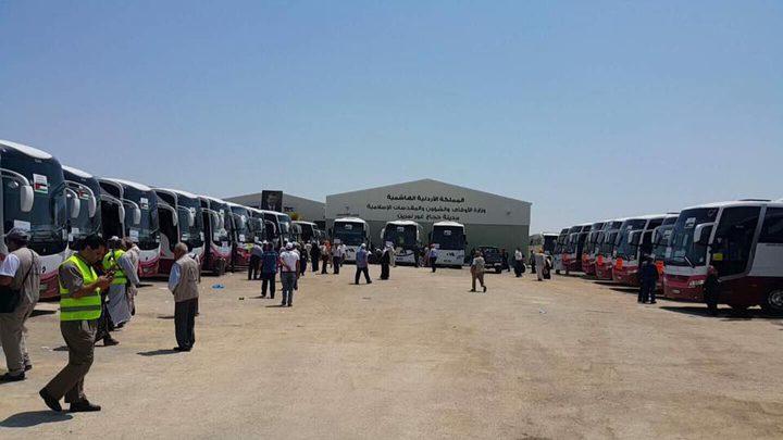 حجاج فلسطين في طريقهم إلى المدينة المنورة(صور)