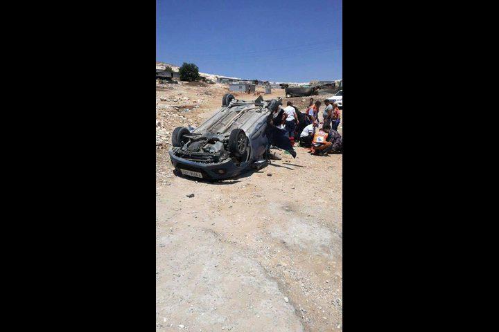 خمس إصابات إحداها خطيرة في حادث إنقلاب سيارة