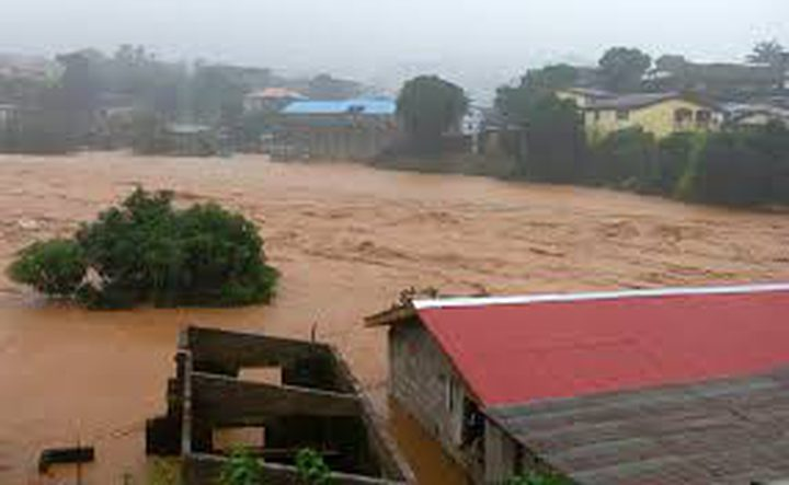 ضحايا الفيضانات في سيراليون تجاوز 400 قتيل
