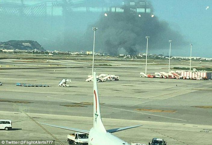 حريق ضخم بالقرب من مطار في برشلونة  الإسبانية