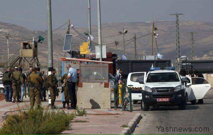 استشهاد شاب بذريعة طعنه جنديًا اسرائيليًا على حاجز زعتره
