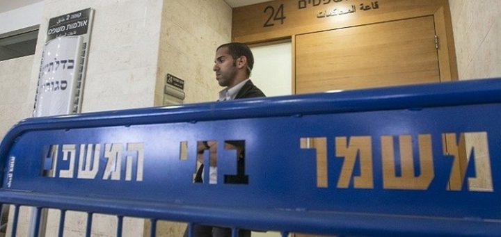 الاحتلال يعيد اعتقال أسير من داخل المحكمة بعد قضاء محكوميته