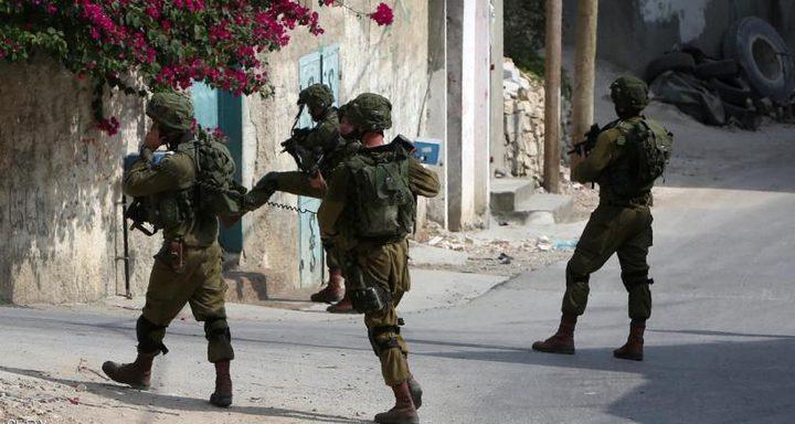 الإحتلال يعتقل (10) شبان من الضفة والقدس