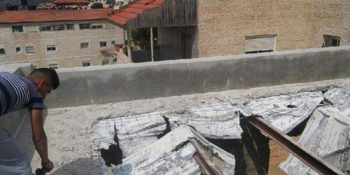 الأهالي يواصلون إعادة بناء منزل عائلة أبو سنينة في سلوان