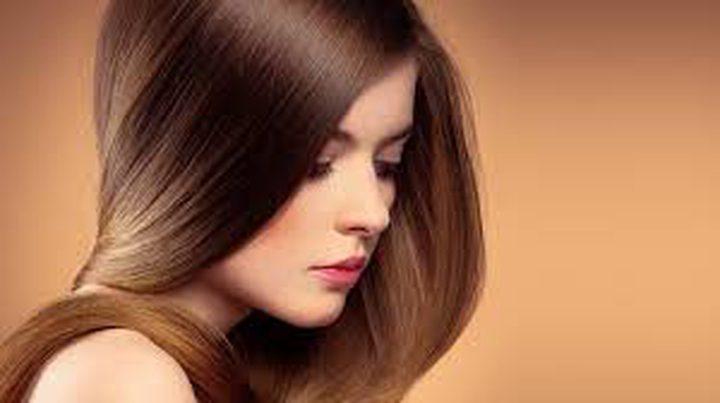 حيل طبيعية لتفتيح لون الشعر دون صبغة