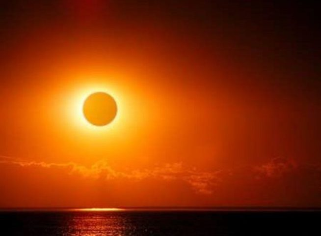 اليوم..أكبر ظاهرة كسوف كلي للشمس منذ 38 عاما