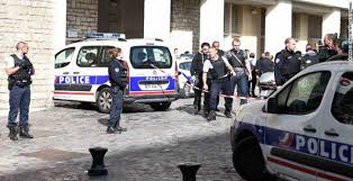 قتيل وإصابات في اصطدام سيارة بمحطتي حافلات في فرنسا
