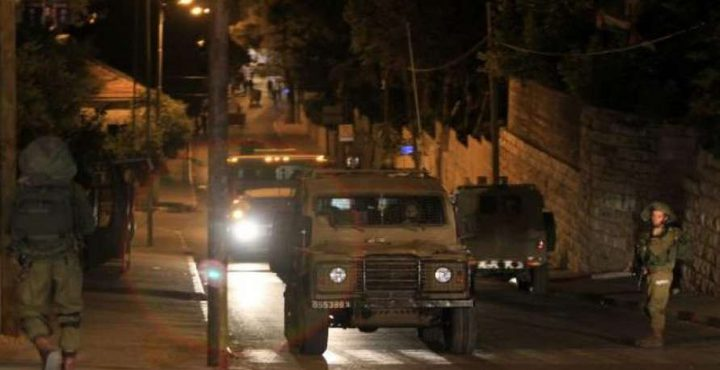 مستوطنون يقتحمون كفل حارس واعتقالات في الضفة