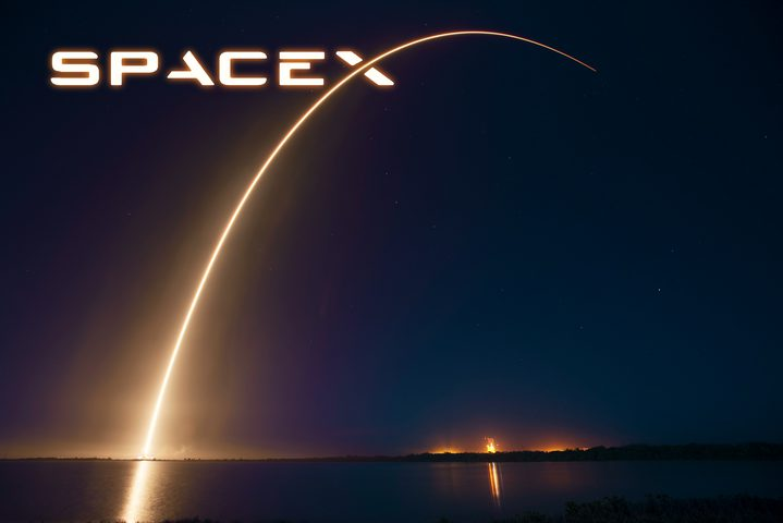 """سبيس إكس تطلق كمبيوتر خارق إلى الفضاء """"لحل المشكلات الخطرة"""""""
