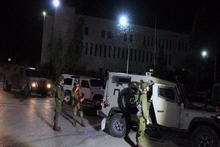 الاحتلال يستولي على بيوت متنقلة لمدرسة شرق بيت لحم