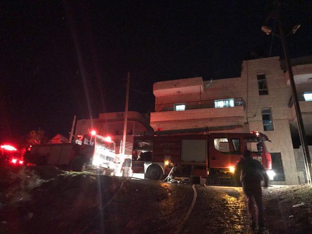 انقاذ شاب حاول حرق منزله والإنتحار