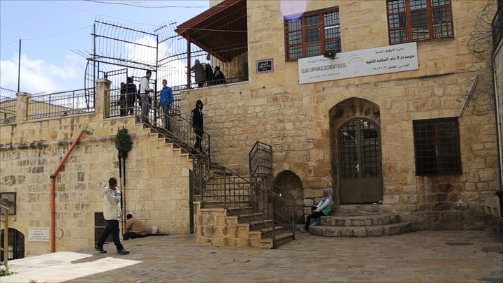 إقتحام مدرسة دار الأيتام وإعتقال طالبين