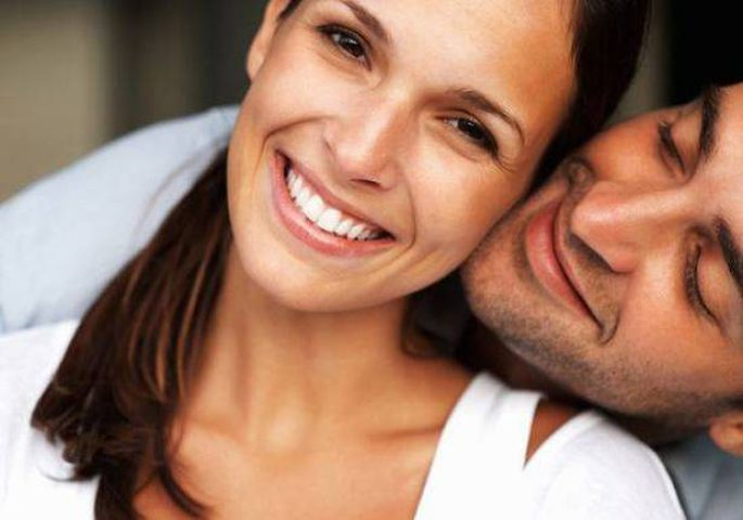نسي الغيرة بعد الزواج؟ هكذا تجعلينه يغار عليك من جديد!