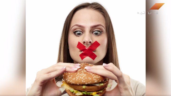 ماذا قد يصيب الانسان إذا تناول طعامًا أكثر من حاجته؟