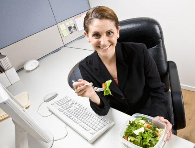 أسباب أساسية لزيادة الوزن في العمل