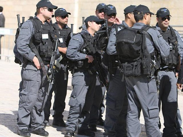 الاحتلال يعلن عن استعداداته لإسناد أعضاء الكنيست باقتحام الأقصى