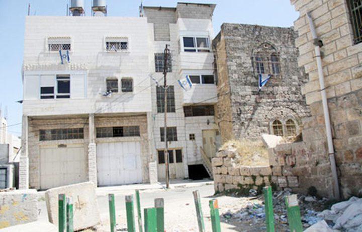 """انتزاع قرار من """"العليا"""" بإخلاء المستوطنين من مبنى بالخليل"""
