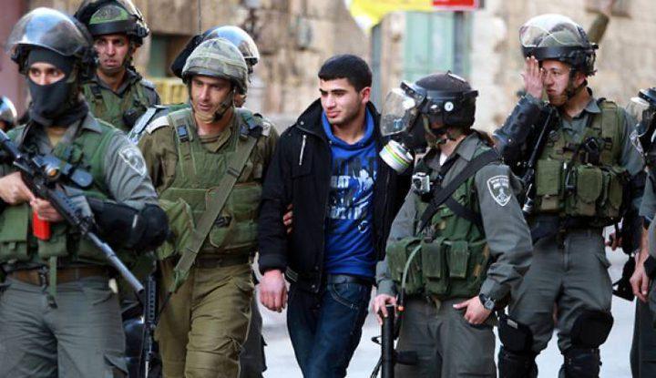 الاحتلال يبعد ثلاثة فلسطينيين عن الأقصى لمدة أسبوعين