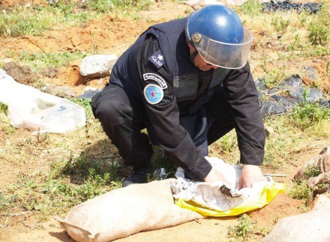 الشرطة تتلف جسم مشبوه في نابلس