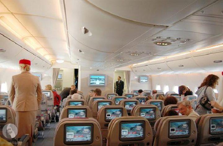 دراسة: ستمرض إن جلست بالصف الأول في الطائرة
