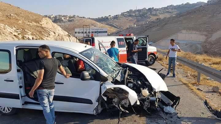 خمس إصابات في حادث سير شرق بيت لحم