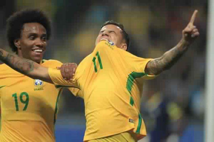 البرازيل يفوز على الإكوادور بهدفين نظيفين