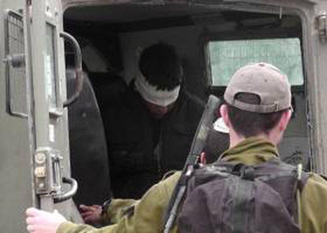 الاحتلال يختطف مواطنا من يطا