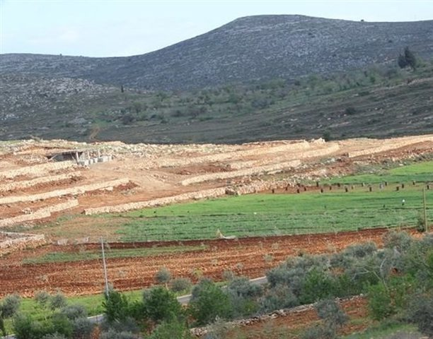 اسرائيل تشرع ببناء بؤرة استيطانية جنوب نابلس