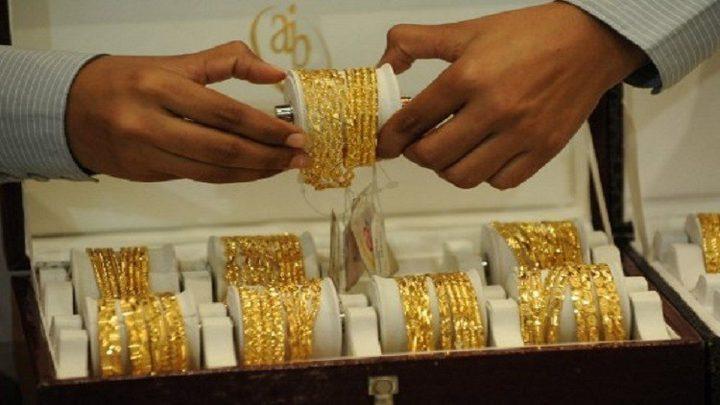 الذهب عند أعلى مستوى في عام