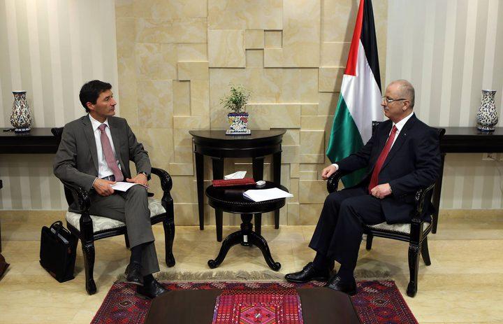 رئيس الوزراء يبحث مع الوزير السويسري للشؤون المالية التعاون المشترك