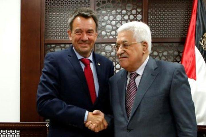 الرئيس عباس يطلع ماورير على الأوضاع الفلسطينية