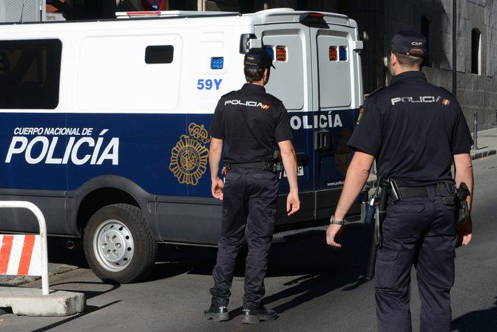 الشرطة الإسبانية والمغربية تعتقلان 6 أشخاص تدربوا على قطع الرؤوس