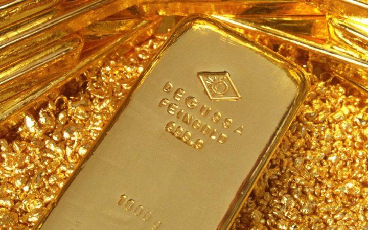 الذهب يرتفع إلى أعلى مستوياته في عام