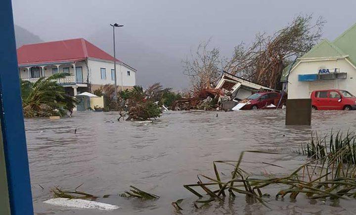 """اعصار """"ايرما"""" يدمر 95% من جزيرة """"سان مارتن"""" في البحر الكاريبي"""