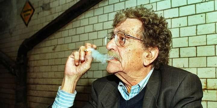 رفع شكوى...السجائر لم تقتلني خلال 70 عامًا!