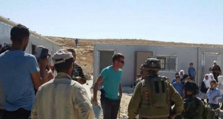 """اندلاع مواجهات...بعد محاصرة الاحتلال """"جب الذيب"""" لهدمها"""
