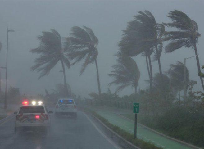الاعصار ايرما يشتد إلى الدرجة القصوى ويبدأ باجتياح كوبا