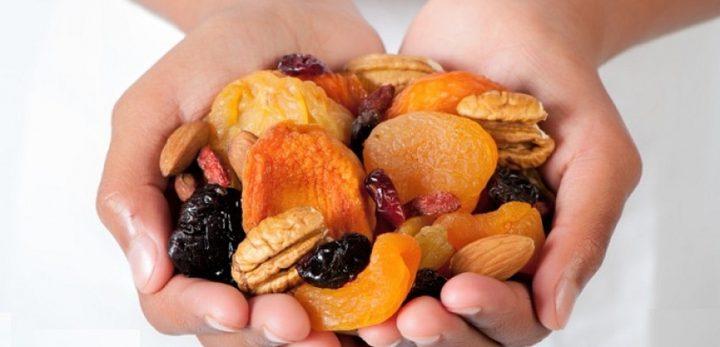 ما هي فوائد الفاكهة المجففة؟
