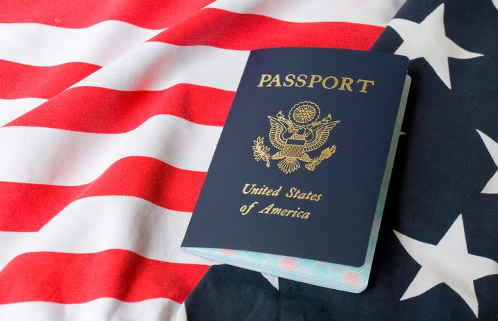 الولايات المتحدة تبقي على نفاذ مرسوم الهجرة الصارم