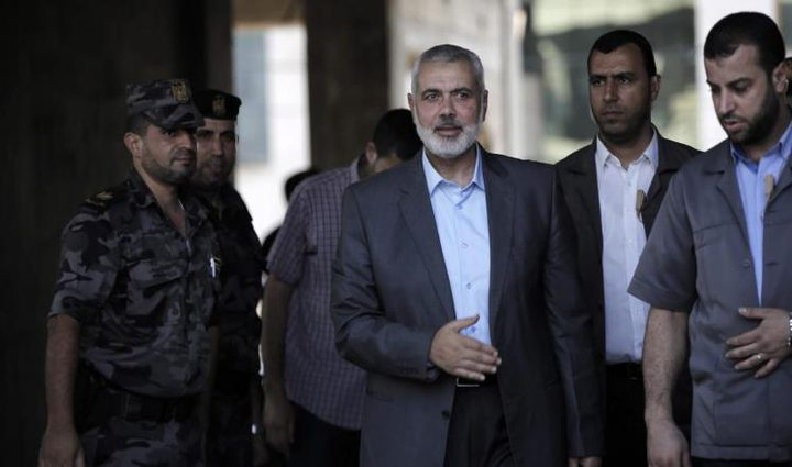 حماس تبلغ مصر موافقتها حل لجنتها الادارية في غزة