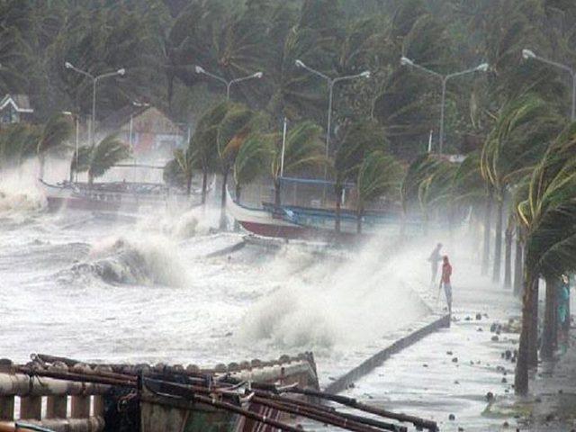 اعصار يضرب جزر جنوب غرب اليابان