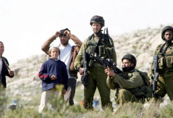 """الاحتلال يعتدي على متضامنين مع """"أم الخير"""""""