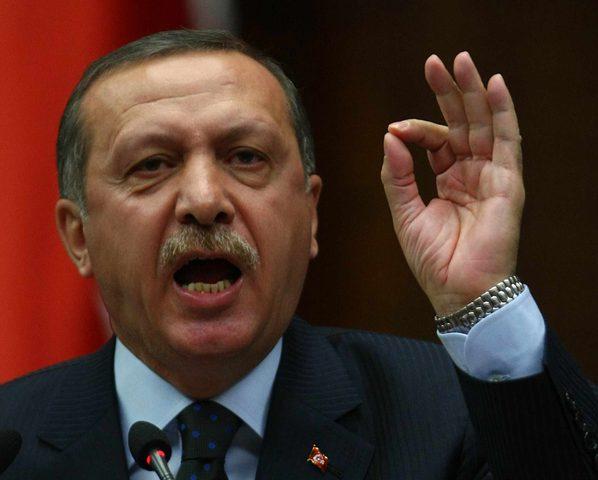 """أردوغان: أمريكا ترسل الأسلحة مجانًا """"للإرهابيين"""""""