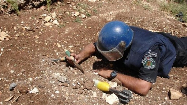 الشرطة تتعامل مع جسم مشبوه حاليا غرب نابلس
