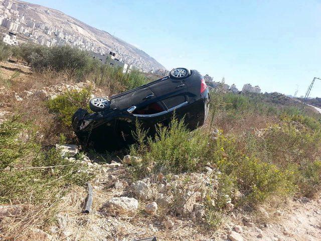 إصابة مواطنان بحادث سير في نابلس