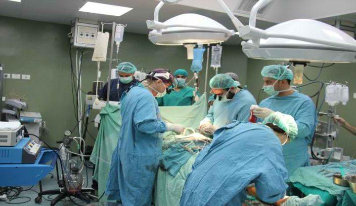 وفد طبي قطري يجري عمليات جراحية في مستشفى بجنين