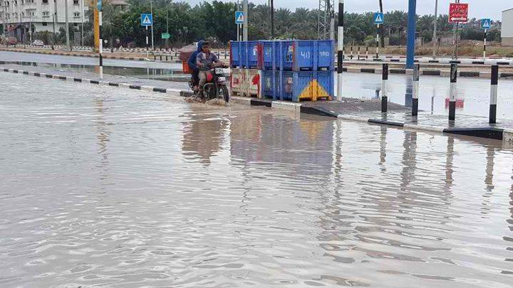 غرق شارع بغزة تسبب به مواطن!